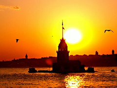 Maiden's Tower / Kz Kulesi (Explore) (Zeki ztrk) Tags: sunset turkey wasser sonnenuntergang trkiye wolken istanbul trkei reflexions sonne gkyz manzara maidenstower zeki yansima kzkulesi mdchenturm gnesbatimi zekiztrk yourwonderland