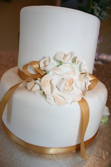 Annivesary cake without the pictures (irresistibledesserts) Tags: wedding roses cake golden anniversary 50 edibleimages