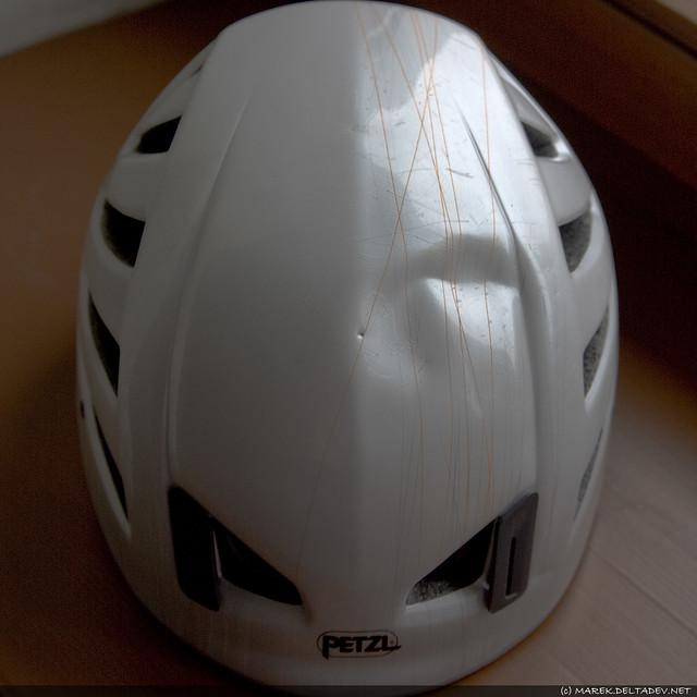 Kask Petzl Meteor III, zapewne do wymiany, ale następny też będzie taki.