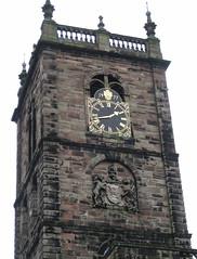 Whitchurch, Shropshire, church tower (wonky knee) Tags: uk england church coatofarms shropshire churchtower 1977 whitchurch balustrade blason wappen stoneplaque queensgoldenjubilee commemorativeclock