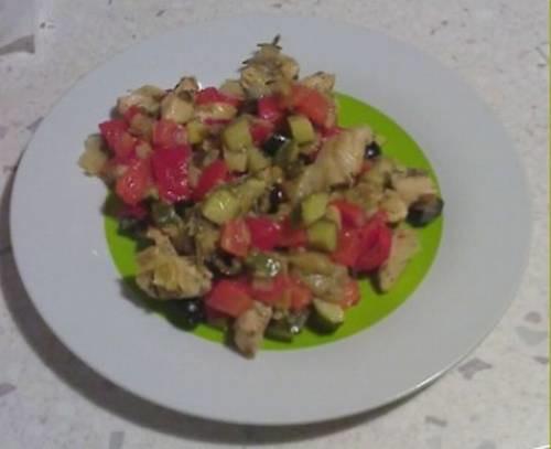 Pollo marinato con olive nere
