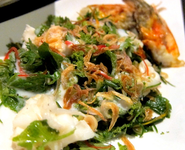 Yum chakram sai Gung mae naam Ayutthaya (Salad of Samut Songhram samphire and grilled Ayuthaya river prawns)