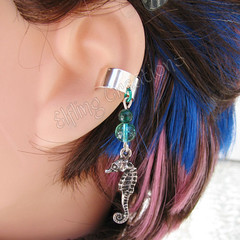 Summer Seahorse Cartilage Ear Cuff