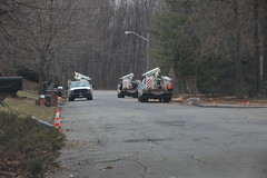Cablevision rushes to install hanging wires