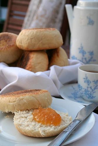 Jardin A lAnglaise: Muffins, Thé et Marmelade -