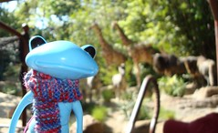 56 What giraffe? (irulethegalaxy) Tags: disneyland disney tudor henry viii 8th eighth henryvii henrytheeighth henrythe8th studiouoo wonderfrog notatudor