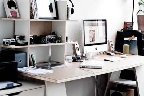Schreibtisch *beta