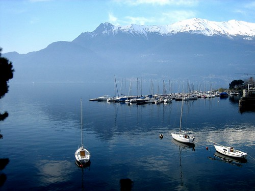 riflessi sul lago  -  reflections on the lake