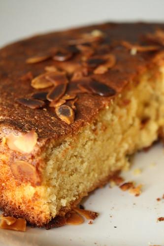 Gâteau aux Amandes Coupé