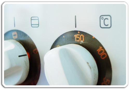 Sätt på ugnen a 150 grader (copyright Hanna Andersson)