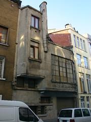 Poststraat 121, Schaarbeek (Erf-goed.be) Tags: geotagged huis brussel schaarbeek poststraat archeonet paleizenstraat geo:lon=43681 geo:lat=508602