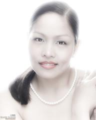 Abby in high key 2 (Edner) Tags: london fashion glamour abby highkey nurse pearl pinay filipina jeddah hikey ofw caregiver may2009 ednerrobles abigailrob