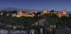 Granada - La Alhambra (StefanoGiordano) Tags: light sunset panorama moon spain nikon tramonto panoramic andalucia luna alhambra moorish granada bluehour d200 andalusia spagna generalife washingtonirving albayzín scenicview moresco orablu trolledproud
