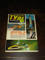 TV Century 21 Annual 1968 (JohnFreeman) Tags: thunderbirds supercar gerryanderson tv21 fireballxl5 getsmart themunsters myfavouritemartian tvcentury21 agent21