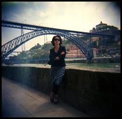 Caro, in Porto (Sam 213 Kieffer) Tags: camera 120 6x6 film girl analog toy photography holga fuji plastic porto medium format analogue expired cheap reala