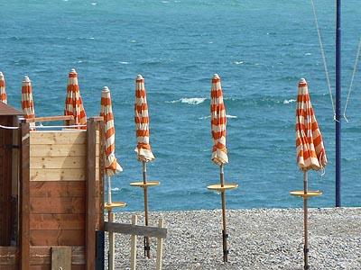 parasols à Vintimille.jpg
