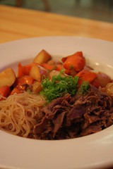 Sirloin steak, noodles, vegetables