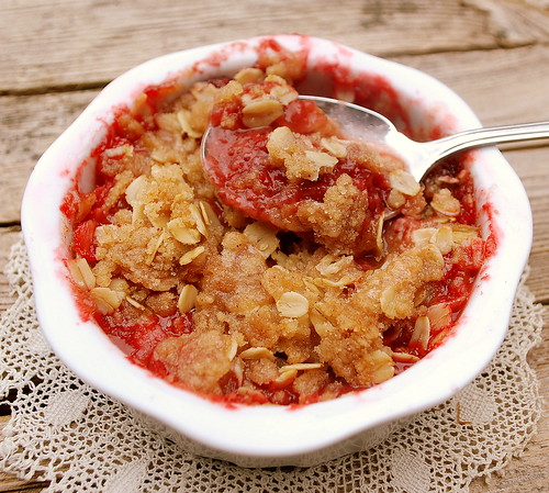 Strawberry Rhubarb Crisp Spoon1