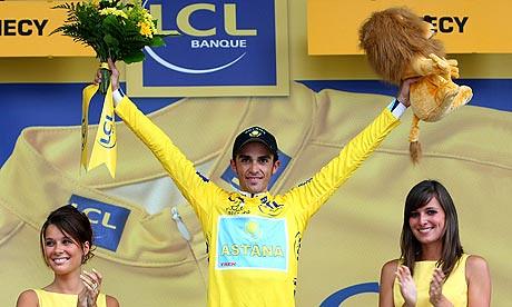 Alberto Contador el Rey de los Campos Eliseos.