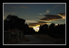 DSC_0085 (Jose Luis Durante Molina) Tags: trees sunset sky españa clouds contraluz landscape atardecer spain arboles camino paisaje ciel toledo cielo nubes silueta spanien anochecer castilla castillalamancha caseta spagne impresion terminada pelahustan pelahustán catillalamancha paisajeweb joseluisdurante