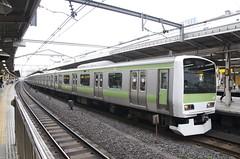 0010 (Bokashi Photo) Tags: tokyo trains ikebukuro yamanoteline ekiflash