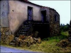 Ribeirinho da Serra - De pedra e cal (mariag.) Tags: portugal maria centro serra coimbra picnik beira penela ribeirinho