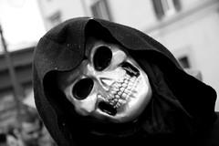 Io sono.... il tristo mietitore!! - Carnevalone liberato 2009 (Xelisabetta) Tags: mask carnevale maschera poggiomirteto carnevaloneliberato iltristomietitore carnevalone lagrandesorella xelisabetta elisabettagonzales settimana102009romamor