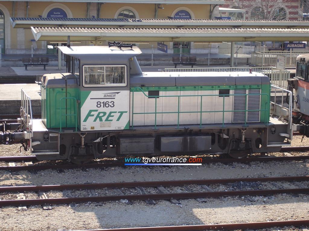 Un Y 8000 (le Y 8163 de FRET SNCF) garé à Aubagne le 29 janvier 2005