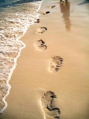 footprints in the sand (hotchicgrace) Tags: beach bicol caramoan camsur gracecanaria hotchicgrace hotchicgracecaramoan
