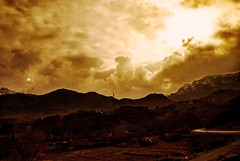 Sun & Moon ! (Tikke Sang) Tags: sunset cloud sun moon fall nature clouds landscape nikon iran persia iranian ایران kashan abyaneh غروب کاشان abyane طبیعت ماه ابر آسمان d80 منظره ایرانیان پرشیا ابیانه خورشید ابری tikkesang تیکهسنگ