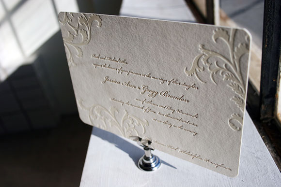 Vettore letterpress invitations with blind deboss - by Smock