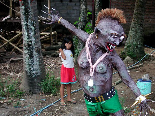 Nyepi.small.girl