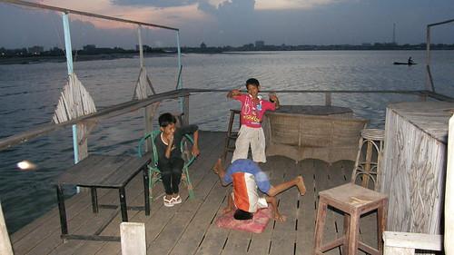 82.愛秀的柬埔寨小朋友