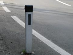 achtung .. Strae! (liisii*) Tags: street linien strase bodenmarkierung