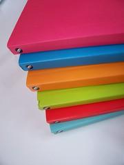 (M.Ccilia) Tags: verde colors azul rojo books colores libros naranja celeste coleccion colorido rosado turquesa maitena unitedcolorofchechu