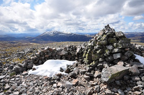 Carn an Righ's Cairn and Beinn a' Ghlo