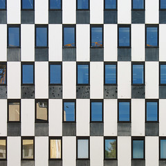 schachbrett :: chessboard (stemerk44) Tags: abstract window architecture facade ventana arquitectura pattern stuttgart geometry fenster chess reflejo architektur fachada spiegelung muster refection chessboard fassade abstrakt geometrie schach artcafe jaque schachbrett geometra superaplus aplusphoto tablerodeajedrez flickraward theunforgettablepictures theperfectphotographer creattivit flickrawardgallery
