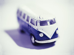 Like a kid in a toy shop. (Bhagavati : @bhagavatiji) Tags: vw volkswagen van split splitty t2 type2 model toy bus early retro vintage soft cool imagealchemy theimagealchemist