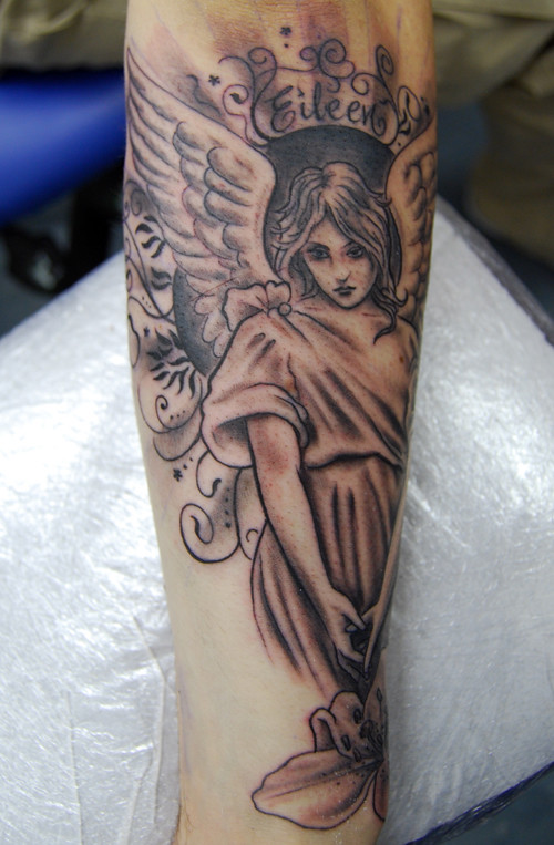 47577e4a67d27 Angel Memorial Tattoo (Flaming Art Tattoo) Tags: blackandwhite woman black  flower art floral