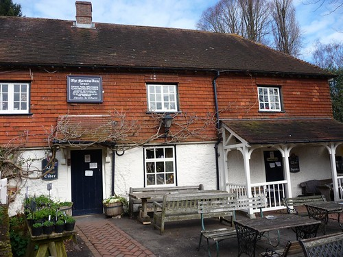 small-harrow-inn-outer