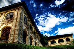 Old Pic..Old Castle (AMRI EFENDI) Tags: old colour arch layer lama bata bb tone hdr batu simen johor istana bangunan casle binaan blackbluesky amriefendi|lubokphotography