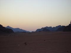 Puesta de Sol en el Desierto de Wadi Rum (Jordania) (maryanher) Tags: sol de desierto rum puesta wadi dunas jordania