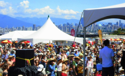 Vancouver Folk Music Festival // crowd over a view.