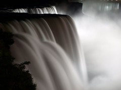 Agua salvaje en Niagara Falls (Joan Otero) Tags: water river topf50 agua niagara falls cataratas topf150 topf100 bruma