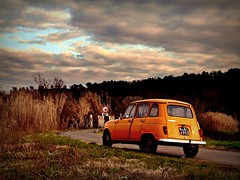 the old car (Ev@ ;-)) Tags: sunset sky orange clouds landscape colours renault explore oldcar r4 2greatttttt