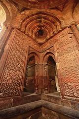 India New Delhi _D7C1994 (youngrobv) Tags: india geotagged nikon asia minaret unescoworldheritagesite gps fx complex qutub minar n1 bharat newdelhi qutb qutab uttarpradesh  0812 robale hindustan alaidarwaza d700    youngrobv 1424mmf28g solmeta alaigate  d7c1994