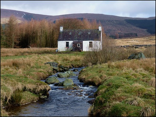 Bachhill of the bush mountain bothy