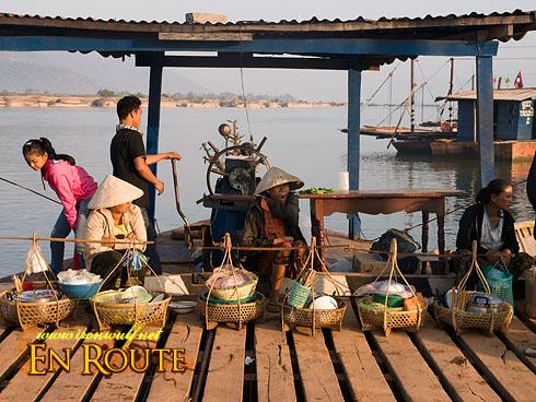 Wat Phu Raft Vendors