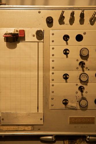 Pasando por el detector de mentiras. Foto cortesía de Marcin Wichary