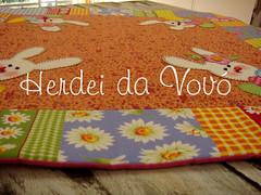 Toalha para mesa (Herdei da Vov) Tags: artesanato craft boto toalha patch patchwork coelho artes pascoa tecidos bordado costura trilho coelha patchcolagem